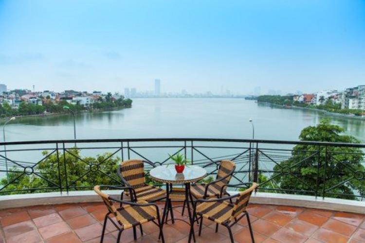 CĂN HỘ 601 - 3 PHÒNG NGỦ TẠI LAKE VIEW BUILDING
